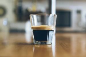 Für einen perfekten Espresso ist ein sehr guter Kaffeevollautomat nötig.